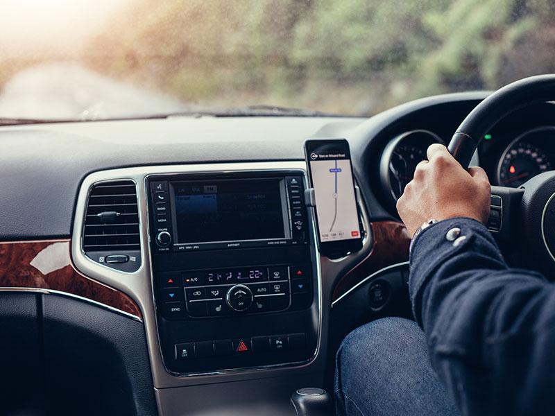 mobile sat nav in car